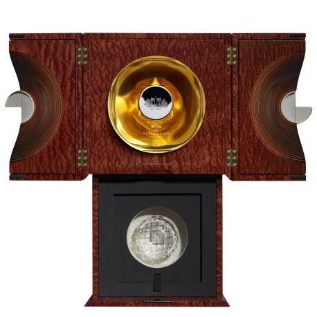 Macallan 72 Year Old in Lalique4